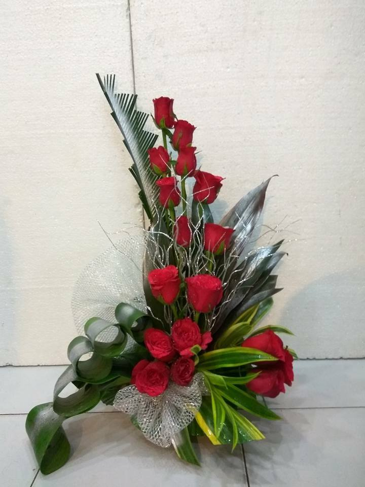 One Siide Red Roses Arrangement