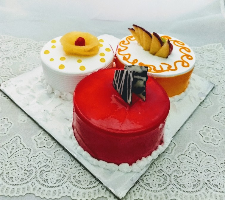 Three Flavor Cake in 1Kg (Delhi, Gurgaon Noida)