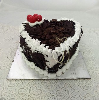 1Kg Heartshape Black Forest Cake