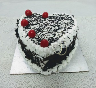 1kg Black Forest Heart-shape Cake