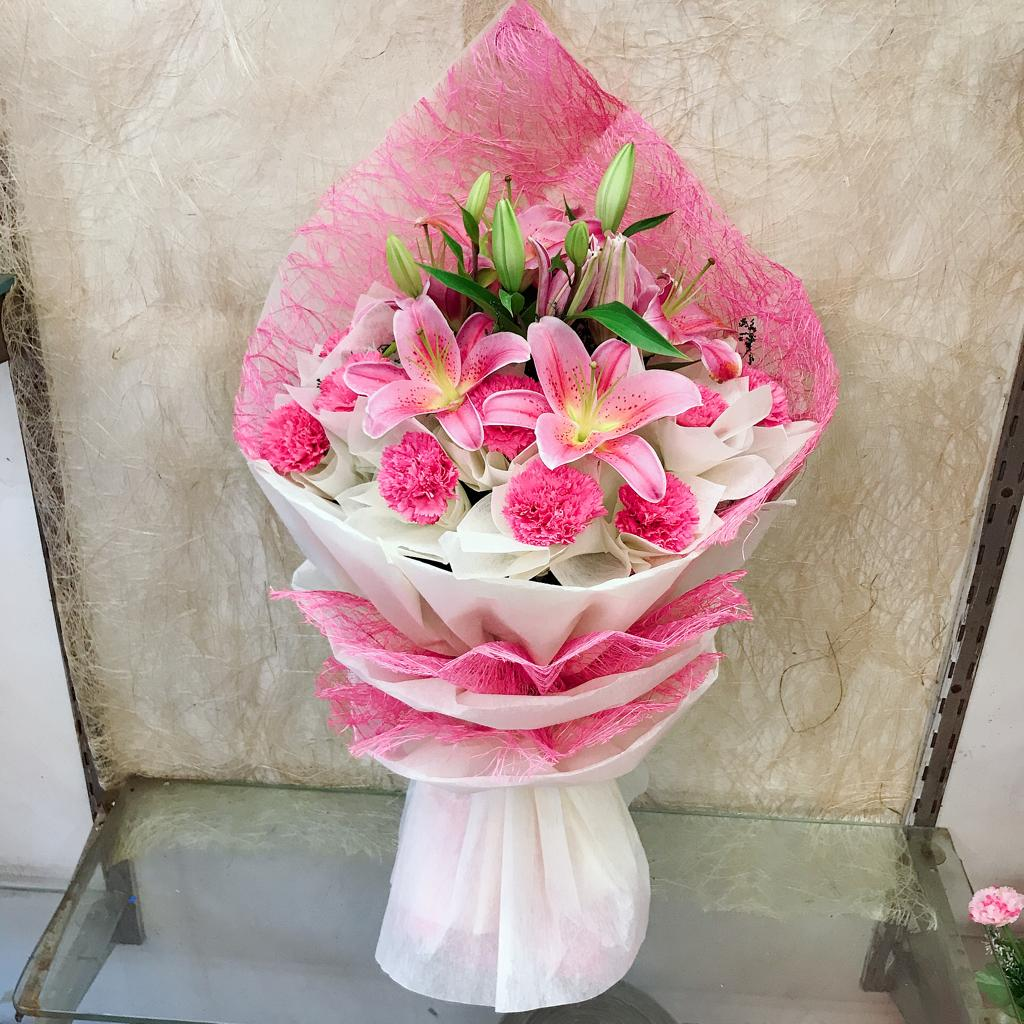 Oriental Pink Lily & Pink Carnation