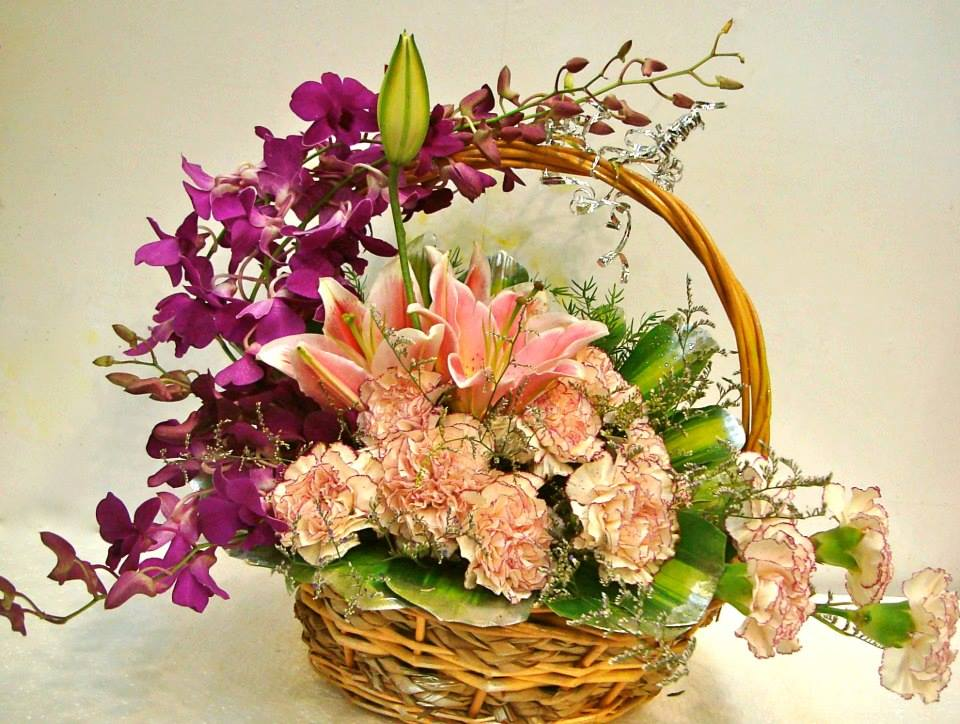Round Basket of Mix Flowers