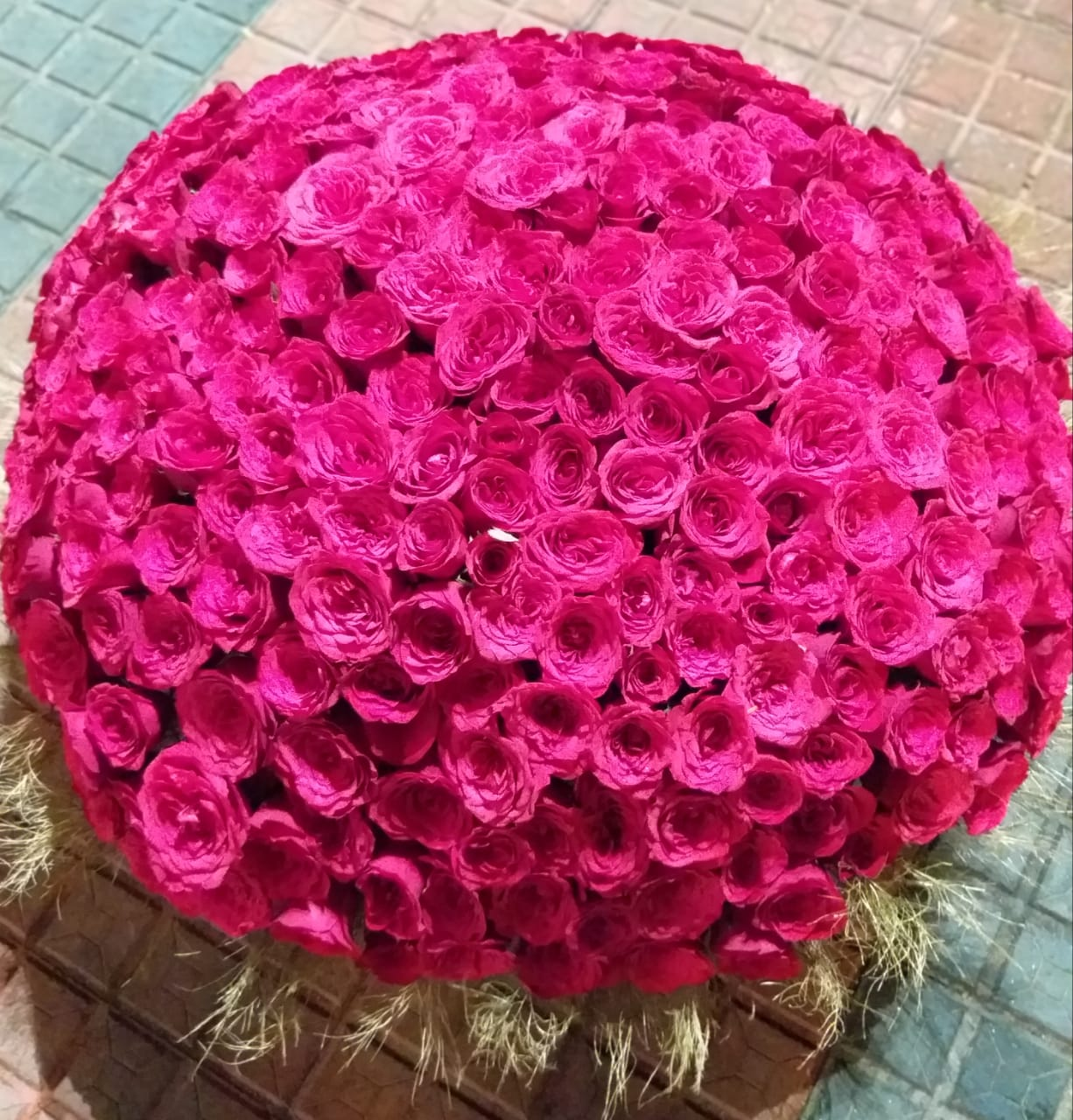 Round Arrangement of Pink Roses