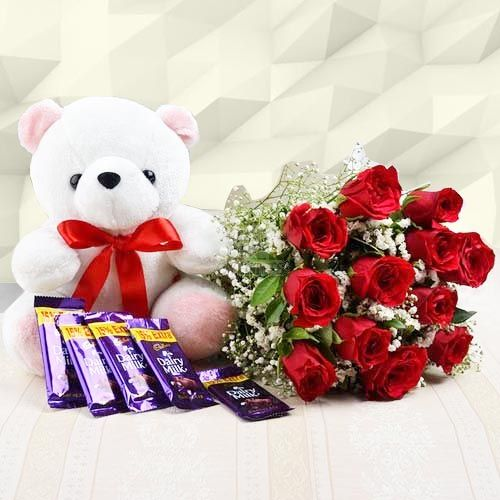 Flowers Delivery in ChandigarhSweet Combo