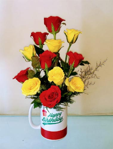 Roses in Coffee Mug (Only For Delhi)