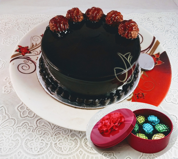 Ferrero Rocher Cake & Hand Made Chocolate Box  (Only For Delhi)