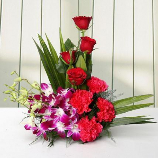 Arrangement Carnations N Orchid