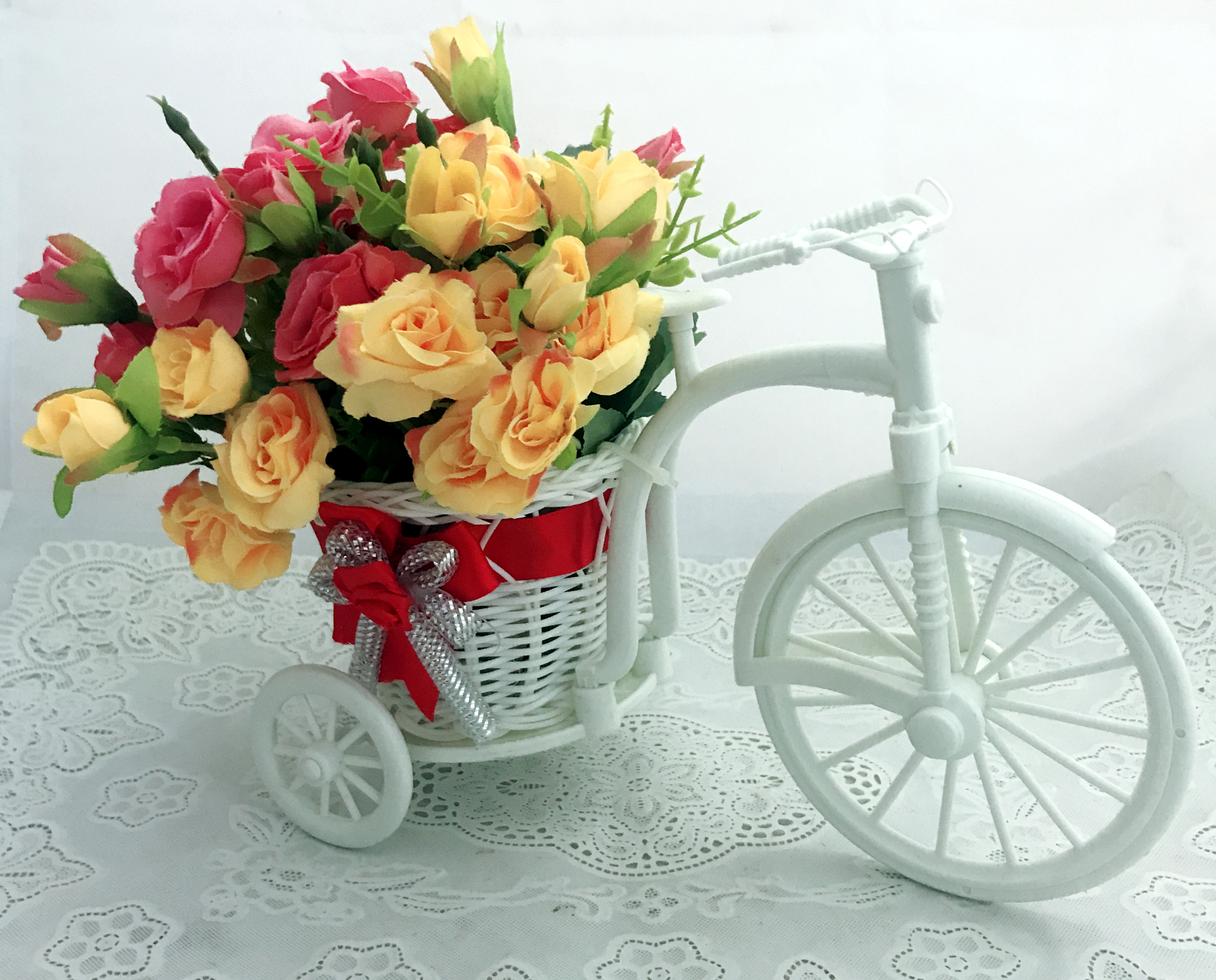 30 Pink & Yellow Roses in Riksha (Only For Delhi)