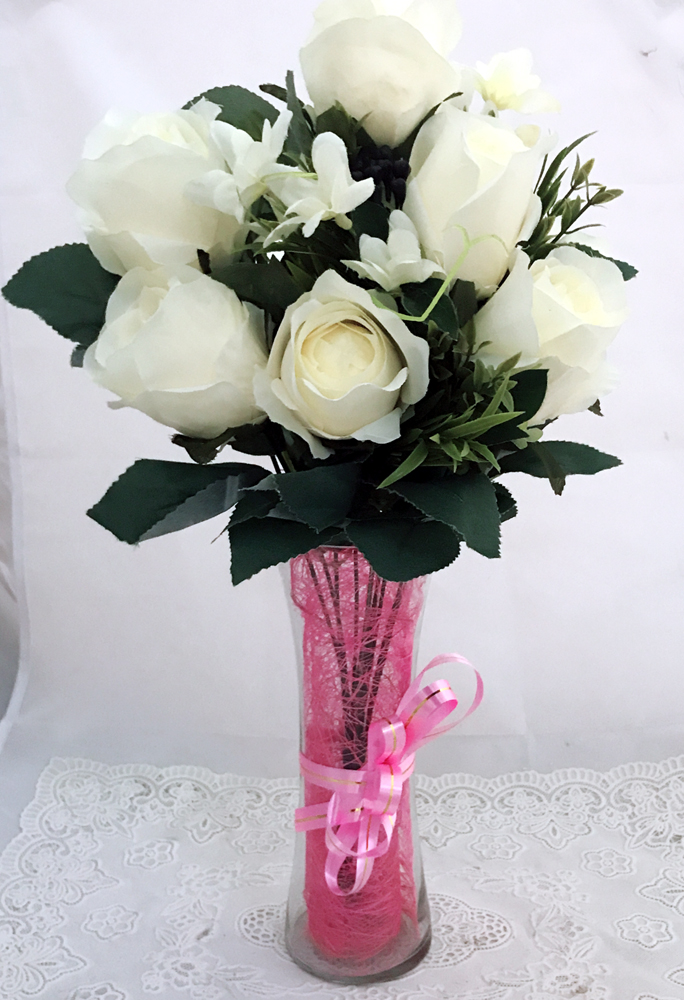 7 Artificial White Roses in Vase (Only For Delhi)