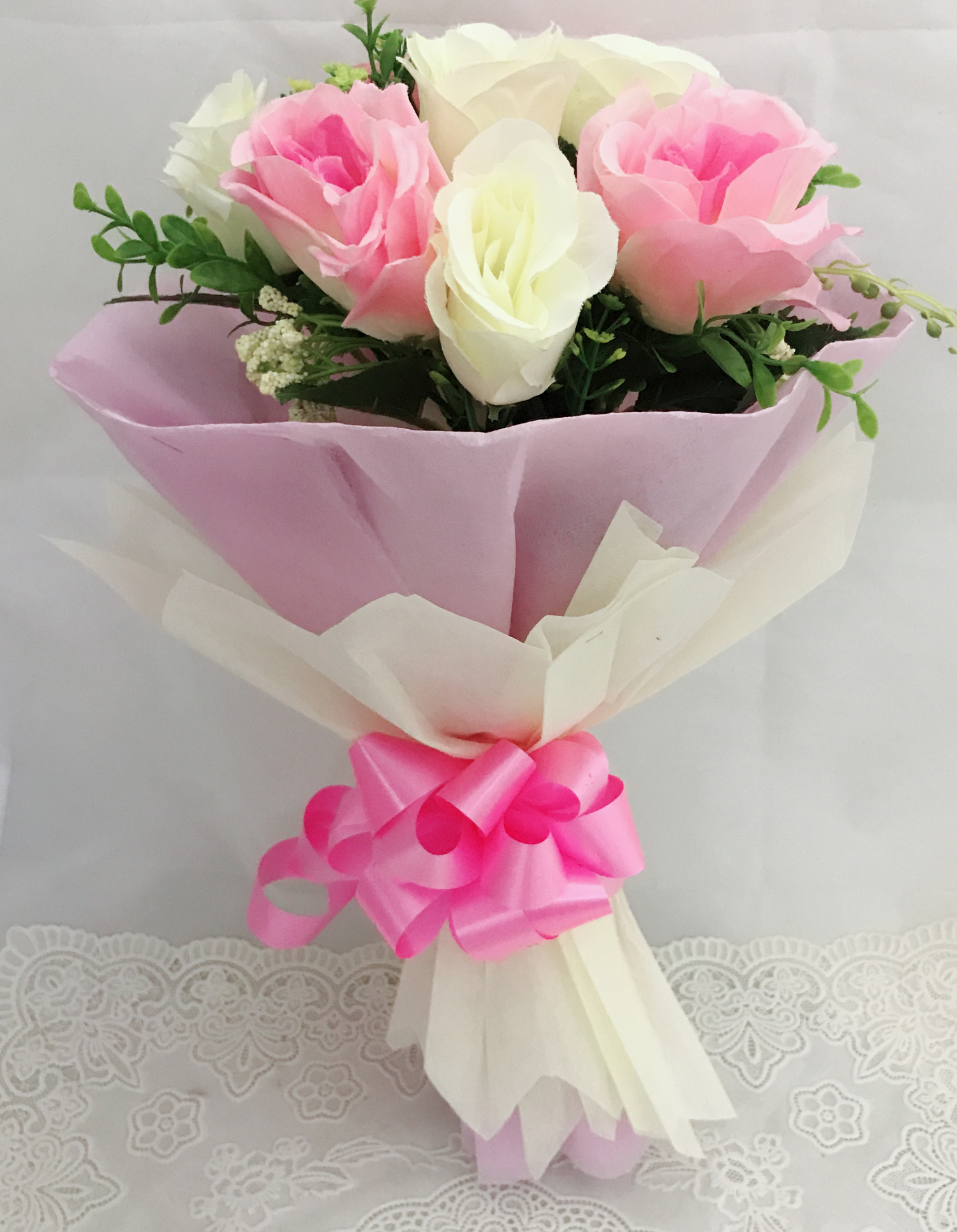 Artificial 4 Pink & 4 White Roses Hand Bouquet (Only For Delhi)