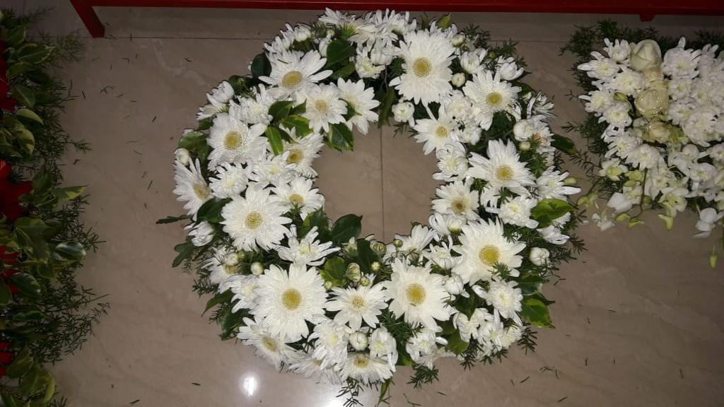 Wreath of Mix White Flowers