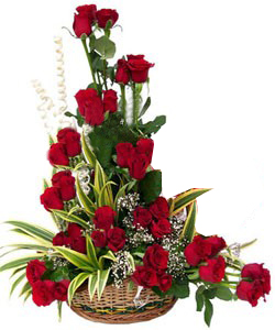 Flowers Delivery in Kolkata40 Red Roses one side arrangement
