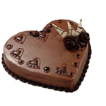 Flowers Delivery in Calcutta3 kg Heart Shape Chocolate Cake
