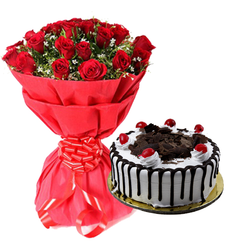 Bunch of 10 Red Roses Paper Packing and 1/2kg Cake