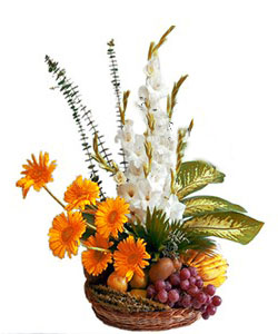Arrangement of Glads and gerbera with Mix Fruits 2kg